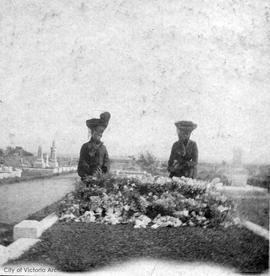 Women in Ross Bay Cemetery