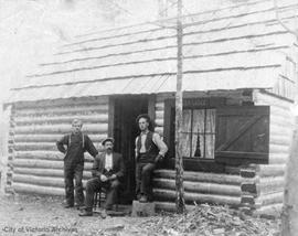 """Deer Lodge"" at Langford Lake.  The lodge was owned by Jacob Hazenfratz and Herman Hazenfratz, Ford and Bugslag outside"