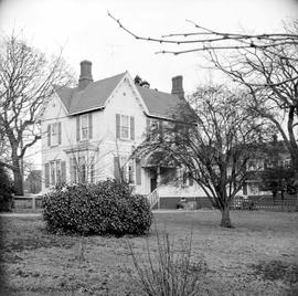 Wymond Hamley family home at 901 Burdett Avenue