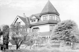 W.J. Pendray family home at 309 Belleville Street