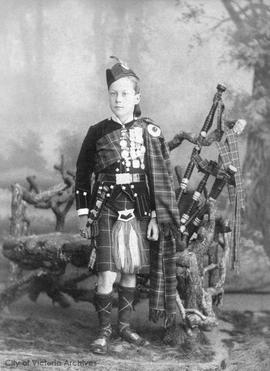 Jim MacKenzie in Scottish garb