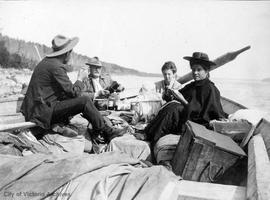 "Agnes Deans Cameron expedition, luncheon on the ""Meewahsin"""
