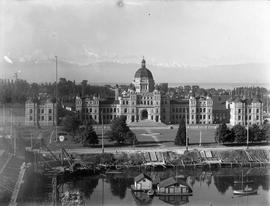 Parliament Buildings and causeway under construction