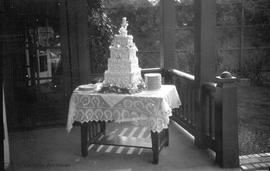 Wedding cake at 800 St. Charles Street