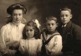Floyd children Eveline, Biddy, Claude and Thomas