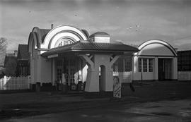 Bob Barber's gas station, 1609 Fort Street