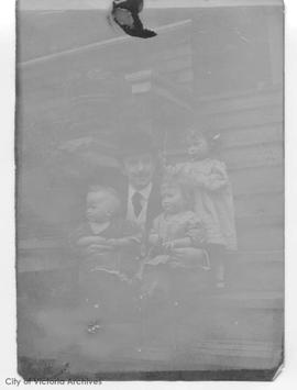 George F. Ridgway and children