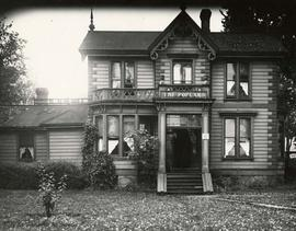 "603 Belleville Street, ""The Poplars"", home of David Spencer. John Teague, architect. Demolished in 1951."