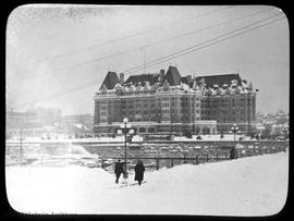 "Empress Hotel during the ""Great Snow"""