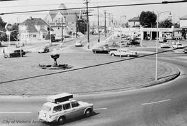 Roundabout or Fountain Circle at the intersection of Douglas Street, Government Street, Hillside ...