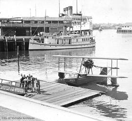 Float plane in harbour