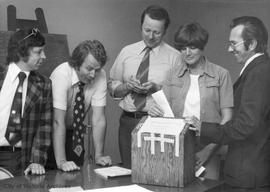 Members of Victoria Press union counting votes to end strike on 1 June 1974