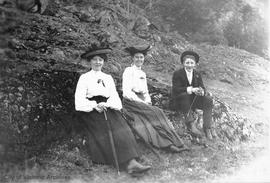 Elfords and Shotbolts on Malahat Mountain above Strathcona Hotel. L to r: Laura Elford, May Shotb...