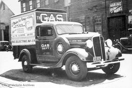 Victoria Gas Company's first truck on Pembroke Street near Store Street