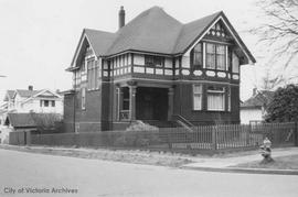 1000 Oliphant Avenue at Southgate Street