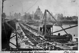 Construction of the James Bay Embankment (causeway)