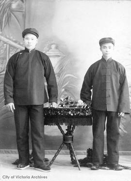 Chinese houseboys for the Kenneth McKenzie family at Craigflower and Lakehill