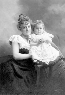 Florence Rattenbury with son Frank Rattenbury