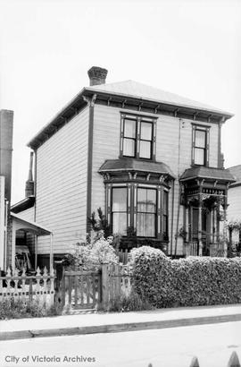 Harold Ault family home at 309 Simcoe Street