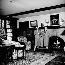"G.H. Barnard family home at 1462 Rockland Avenue known as ""Duvals"", sitting room"