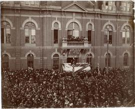 [In front of City Hall] proclaiming King Edward VII at conclusion of Queen Victoria's funeral