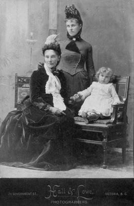 Mary Cridge (nee Winmill) with daughter Mary Cran and granddaughter Maude Cran (later Mrs. Rowlan...