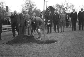 Lord Baden-Powell planting tree in Mayor's Grove