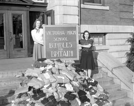 War effort, Bundles for Britain.  Netta Hunter, left and Edith Aaronson, right