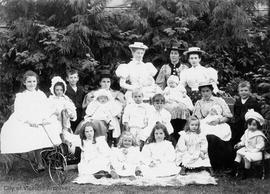 A family group including the Pauline family
