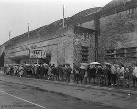 Line-up for Beatles tickets at Memorial Arena