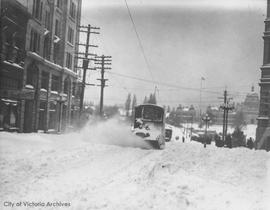 Street car on Government Street during the 'Great Snow'