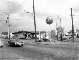 2900 Douglas Street. Union 76 gas station