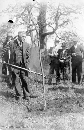 Tree planting in Mayor's Grove, Beacon Hill Park