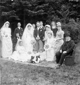 Marriage of Nellie Cridge to T.H. Laundy in Marifield garden