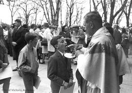 "First Roman Catholic ""rock"" mass after Vatican II : Sacred Heart Church, Nelthorpe Avenue"