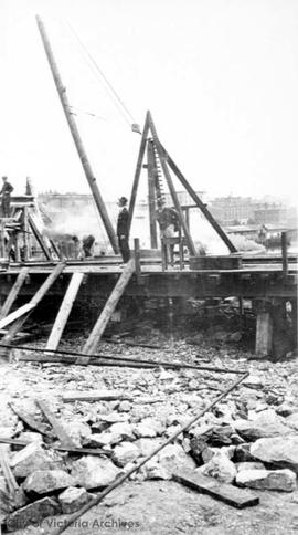 Construction of the Johnson Street Bridge
