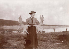Agnes Deans Cameron with moose horns at Fort Wrigley, Northwest Territories