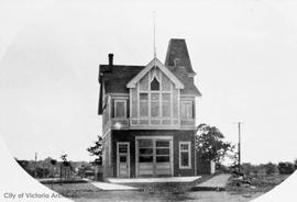 Fernwood Fire Hall (No.6) at the junction of Cedar Hill Road, Fernwood Road and Hillside Avenue