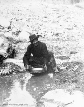 Lee Jack panning for gold