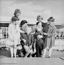 George Sears and family (L-R: Deborah, 5; Susan, 9; wife Evelyn; Frances, 8; Sharon, 7; on lap, Terri, 3; and Maureen, 2)