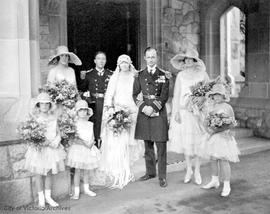 Dola Dunsmuir and Lt. Comdr. Henry Cavandish wedding at Hatley Park