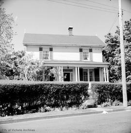 Miss A.E. Innes home at 1564 Rockland Avenue