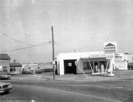 752 Caledonia Street. Home Oil service station