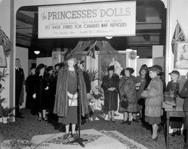 War effort, Princess Elizabeth's doll collection display