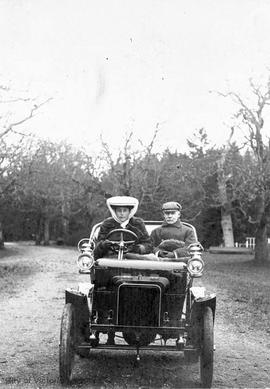 Archibald J.C. Galletly and daughter in a six horse-power Rover