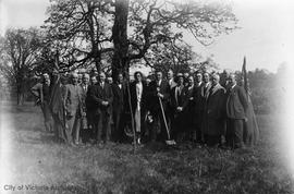 Tree planting ceremony for Mayor Herbert Anscomb in Mayor's Grove, Beacon Hill Park