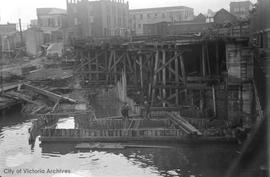 Johnson Street Bridge under construction