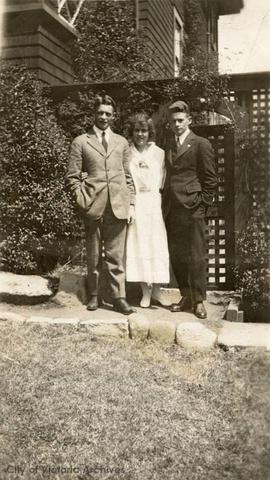 Floyd children just after the war: Tom, Biddy and Claude