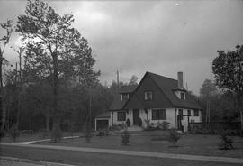 H.J. Bayliss, Esq. residence, Uplands