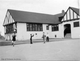 McKenzie School (near Glanford)
